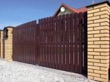 Металлический забор устанавливается с целью защиты своей собственности